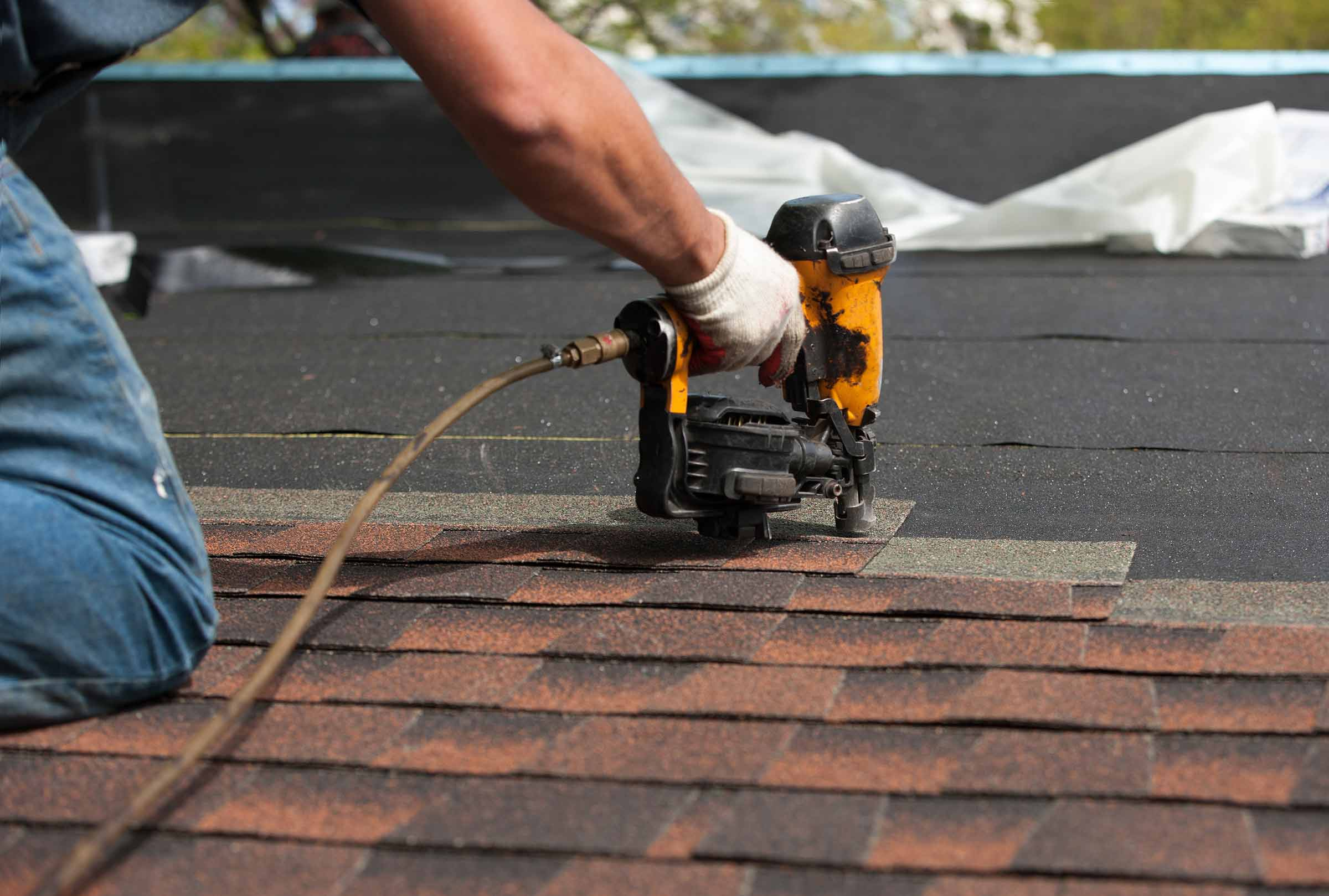 4 Reasons To Maintain Roof Gutters